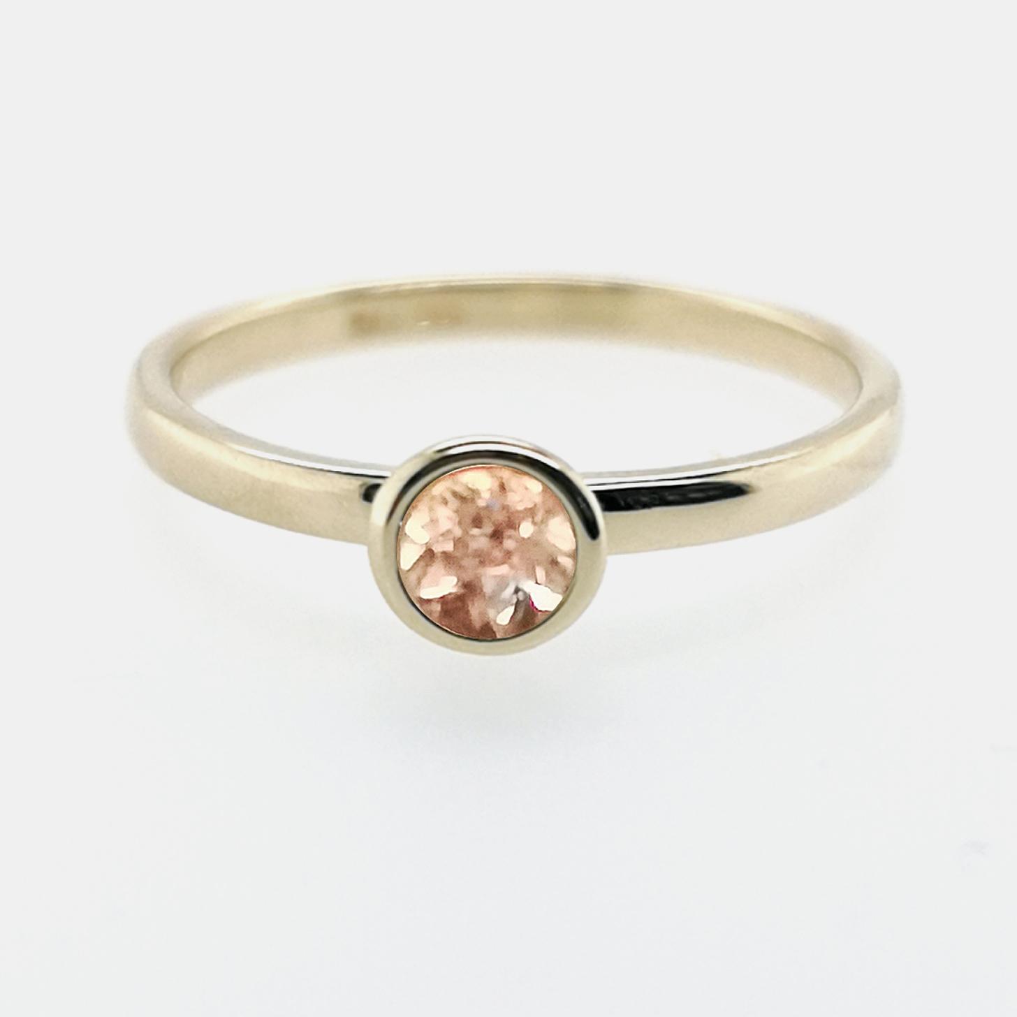Ring mit Morganit zart rosa, facettiert ca. 0,25 ct Edelstein, aus 585 Gelbgold, Sogni d´oro Facettenreich
