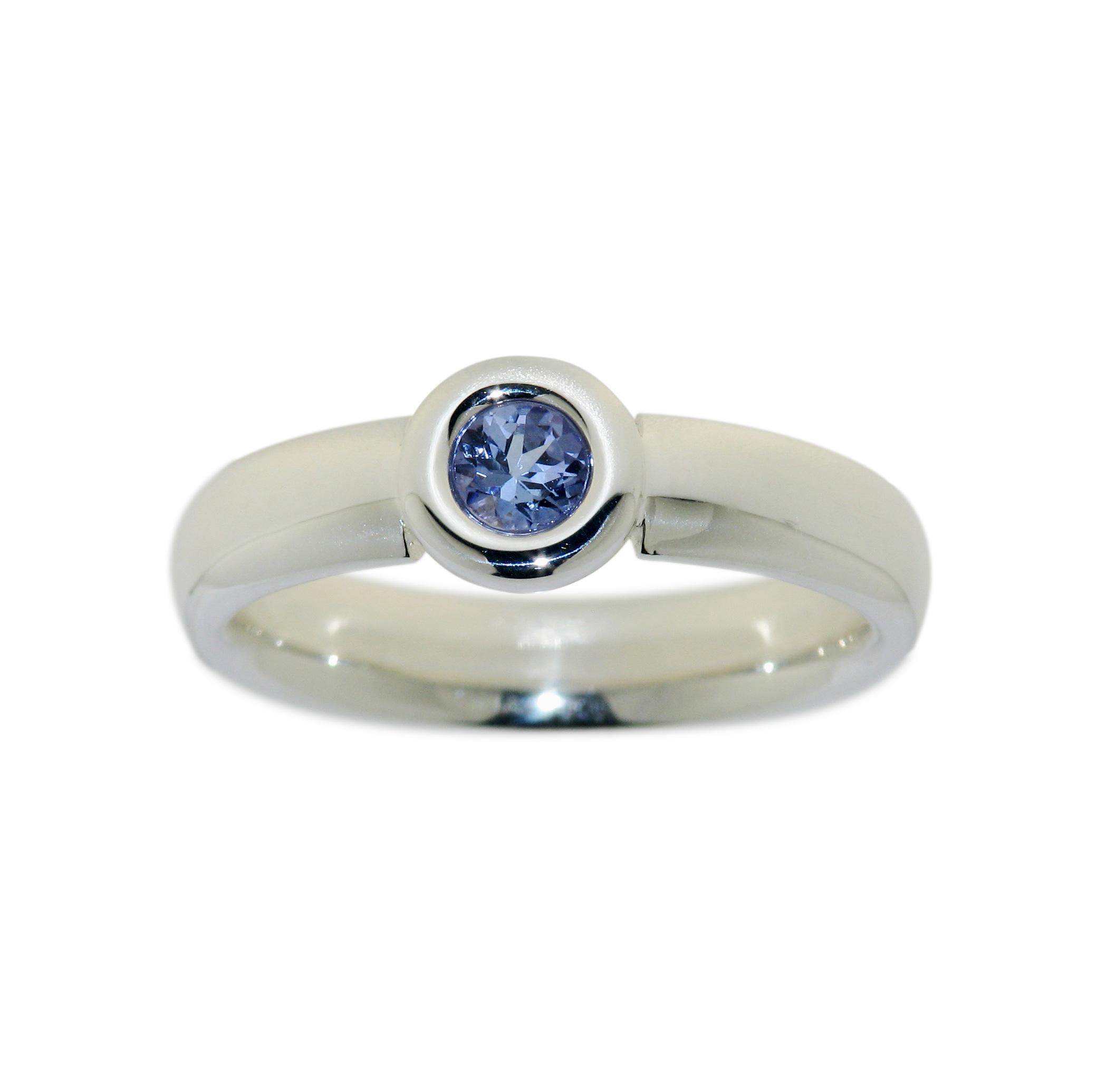 Ring mit Tansanit Edelstein blau ca. 0,3ct rund Ø ca. 4mm, 925 Silber