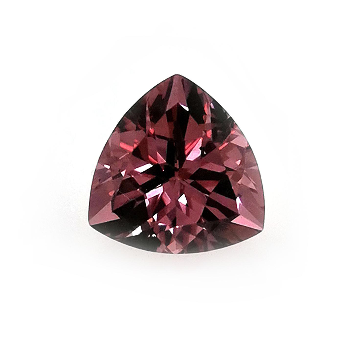 Pink Malaya Granat  3,80 ct gerundetes Dreieck, facettiert Sammler Edelstein mit Edelsteinbericht