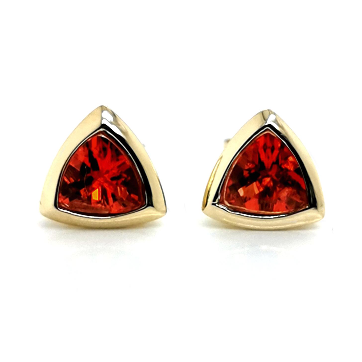 Andesin rot, Triangel, facettiert, Gesamt ca. 1,5 ct Edelstein, Ohrstecker aus 375 Gelbgold, Sogni d´oro