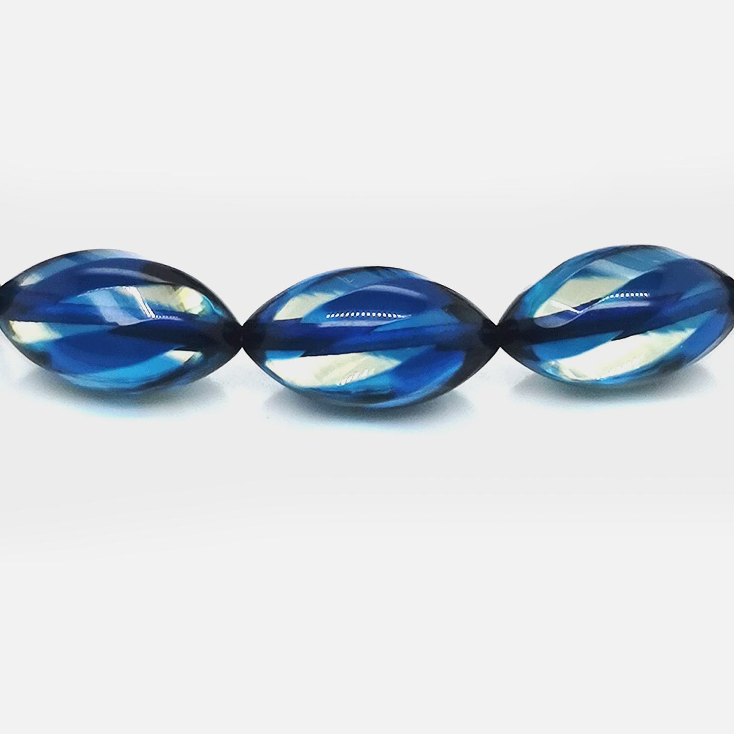 Bernstein / Copal beh. blau gesamt ca. 85 ct  Edelstein Collier Karabinerverschluss 375 Gelbgold, Sogni d´oro