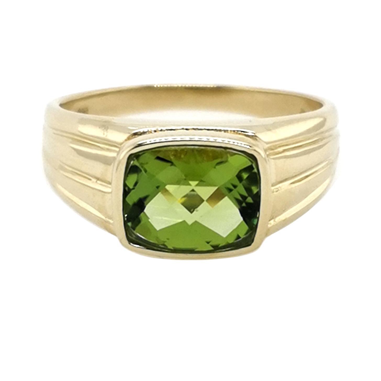 Ring mit Peridot im Briolet Cut mit Checker Top facettiert, Edelstein ca. 3 ct, 585 Gelbgold